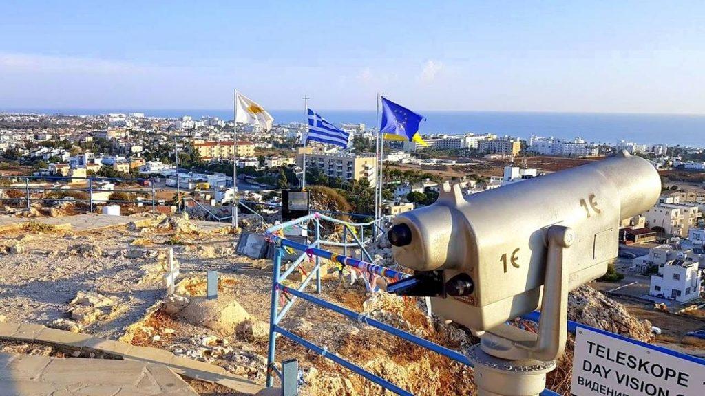 Вид на Протарас с обзорной площадки возле церкви, Церковь Пророка Ильи, Протарас, Кипр