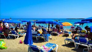 Загруженность пляжа в сезон, Пляж Ломбарди, Протарас, Кипр