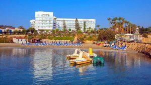 Центр водных развлечений пляжа Ломбарди, Пляж Ломбарди, Протарас, Кипр