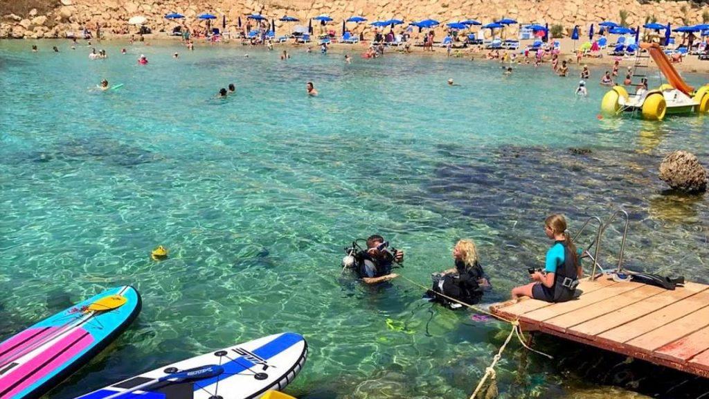 Обучение дайвингу в заливе пляжа, Пляж Ломбарди, Протарас, Кипр