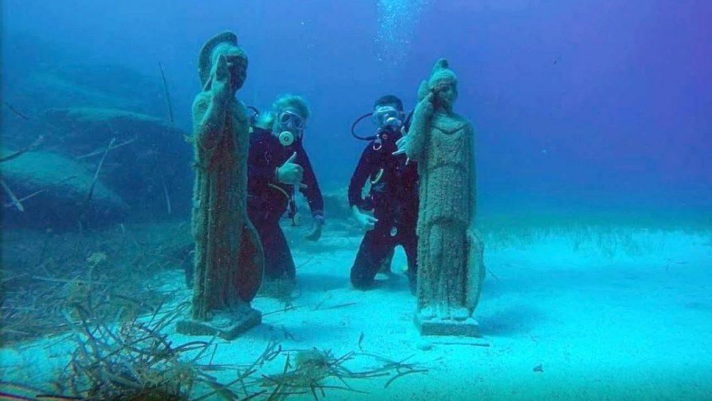 Затопленные скульптуры в бухте , Пляж Ломбарди, Протарас, Кипр